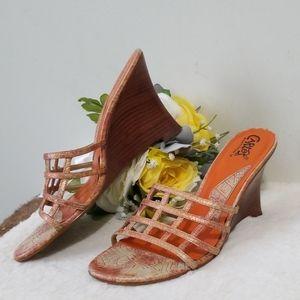 Carlos Santana Cage wedges sandals 9
